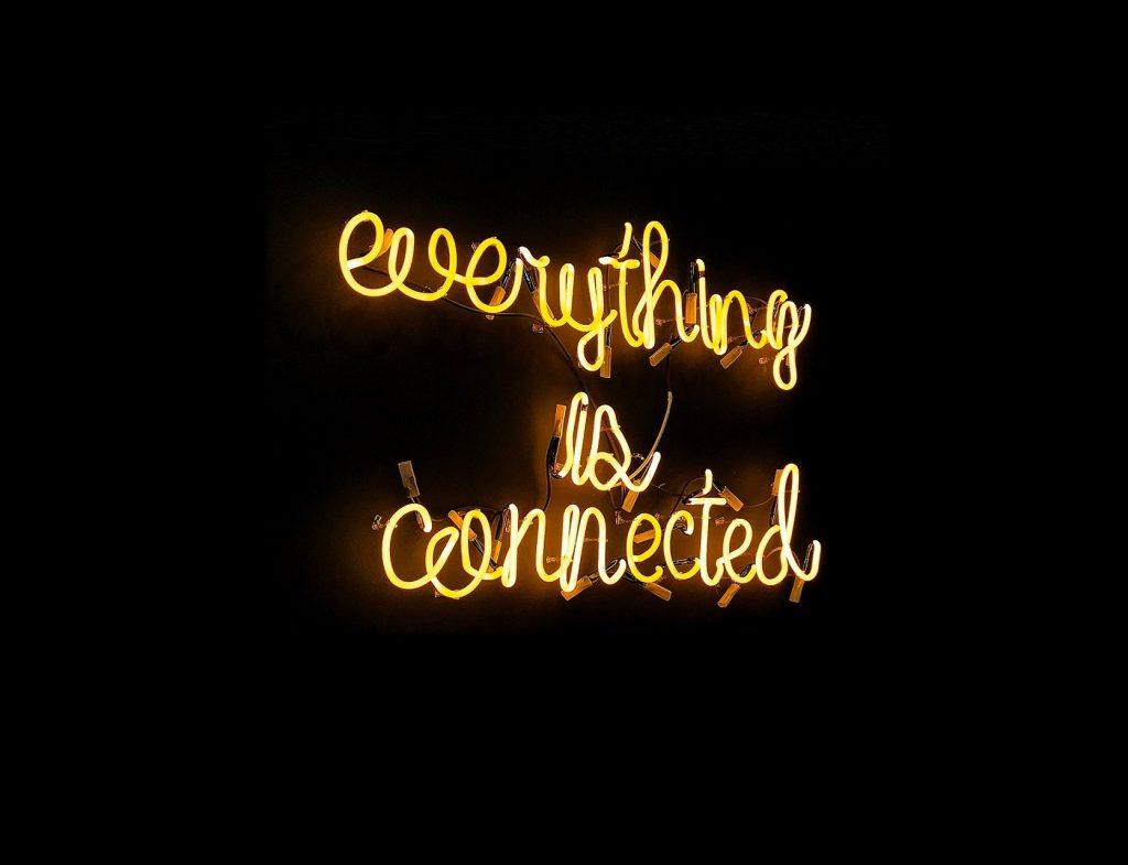 Holistic Webdesign - Everything is connected - Neonschriftzug